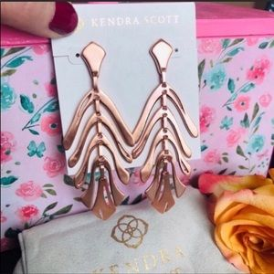 Kendra Scott NWOT Luca Rose Gold Long Earrings